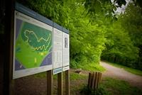 <p>  Začetek Jesenkove gozdne učne poti; Foto: Artinfoto.si </p>