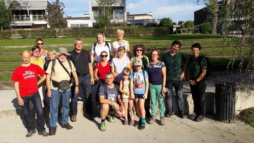 <p>  Vodenje članov Društva za ohranjanje naravne dediščine Slovenije; </p> <p>  Foto: Mateja Poljanšek (DONDES) </p>